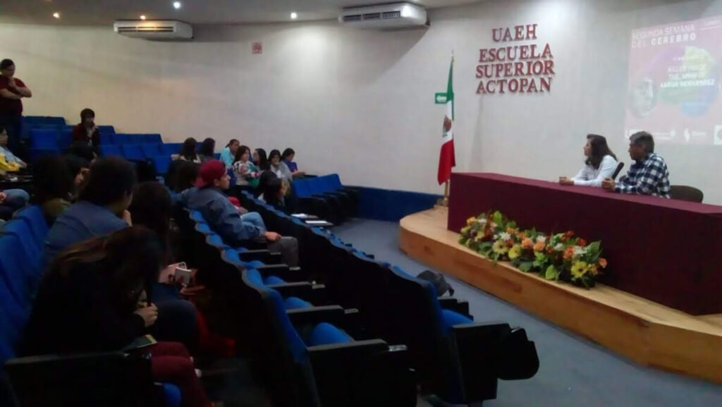 A cinema debate forum organized by Escuela Superior Actopan, Universidad Autónoma del Estado de Hidalgo in Mexico.