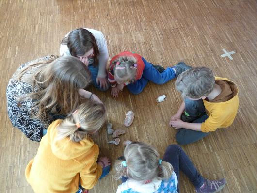 Children learn about brain structure at Humboldt-Universität zu Berlin