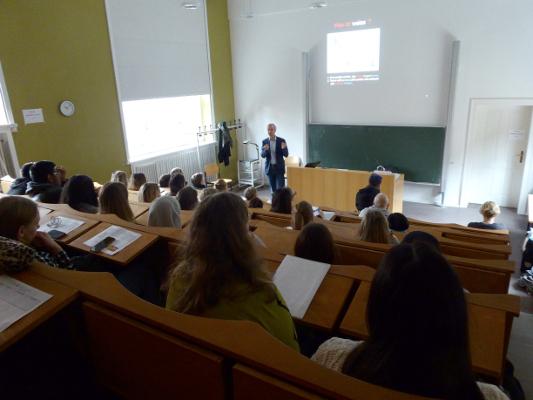 A lecture for pupils organized by Humboldt-Universität zu Berlin, Bernstein Center for Computational Neuroscience Berlin in Germany