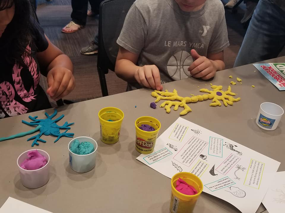 Making Play-doh neurons at an event organized by Morningside College in Iowa.