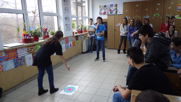 In the end of the workshop 'Vision from Light to Perception ' on March 18 at School no. 150, the young students found out it is essential to have both eyes working in order to achieve a 3D image, by performing a live activity, the stereopsis test. National Neuroscience Society of Romania.