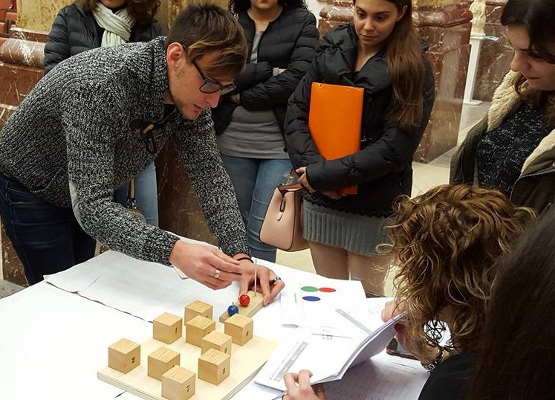 An interactive activity at an event organized by NeuroMe - Servizio di Neuropsicologia in Italy