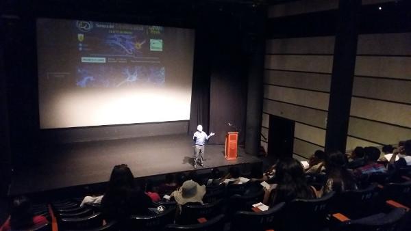 A presentation during Semana del Cerebro organize by Neurozoom in Lima, Peru
