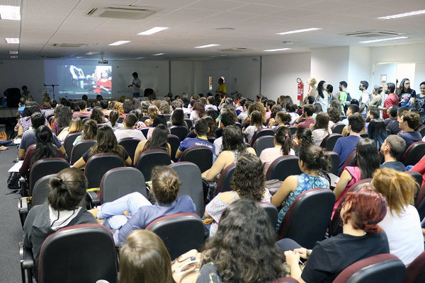 The audience at an event organized by Santos Dumont Institute in Brazil