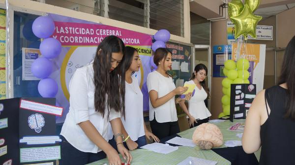 Neuroscience fair organized by Universidad Evangelica de El Salvador