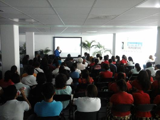Neuroscience lecture at Universidad de Quintana Roo in Mexico