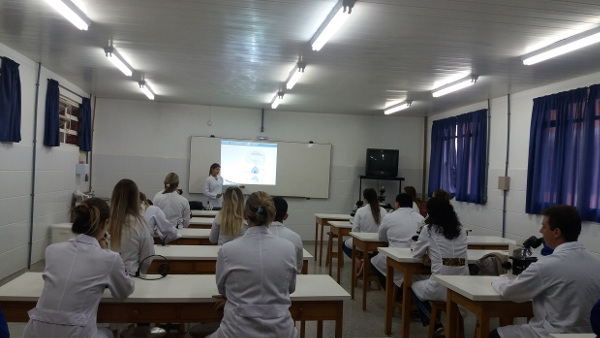 A mini-course focusing on the formation of new neurons organized by Universidade do Contestado in Canoinhas, Brazil