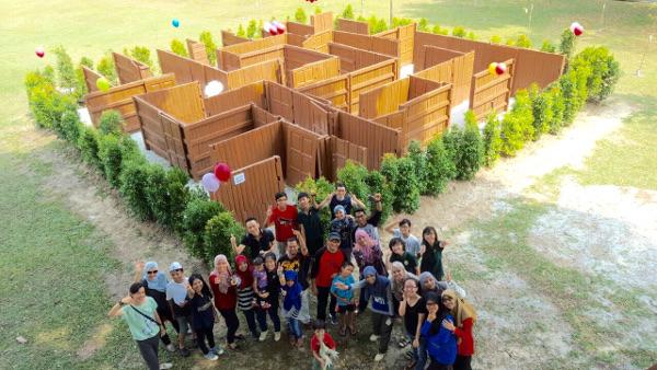 BAW launch group outside of interactive brain maze at University of Malaya, Malaysia