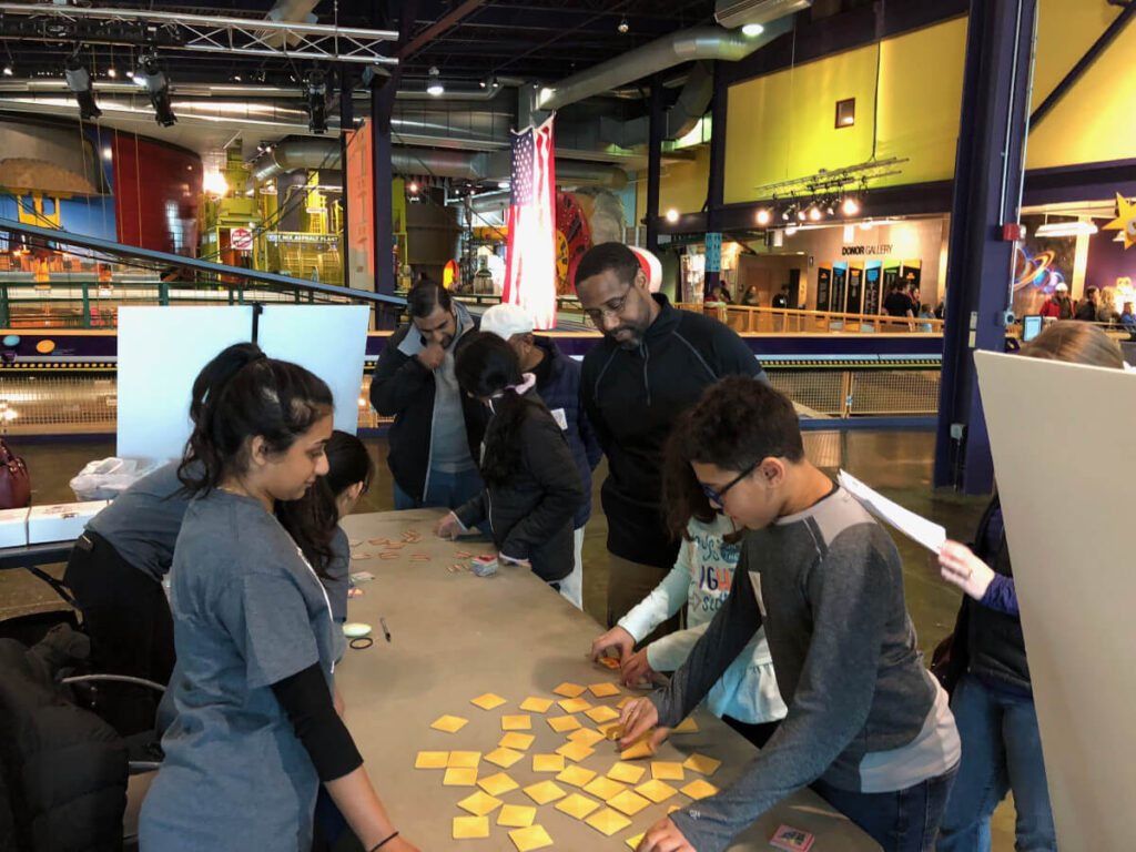 Memory test at memory and aging exhibit: kids vs the parents!, part of Brain Day in Detroit organized by Wayne State University in Michigan.