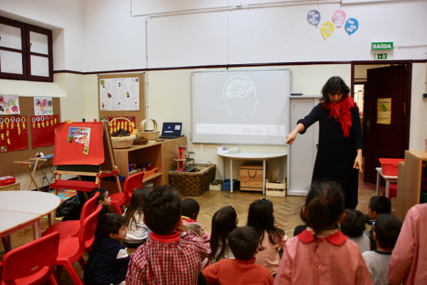 A Kindergarten class learns about the brain during a school visit organized by iMed.ULisboa in Lisbon, Portugal