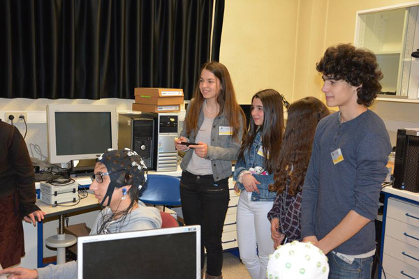 Students participating in Brain Awareness Week activities hosted by the Faculty of Medicine at Coimbra University in Portugal