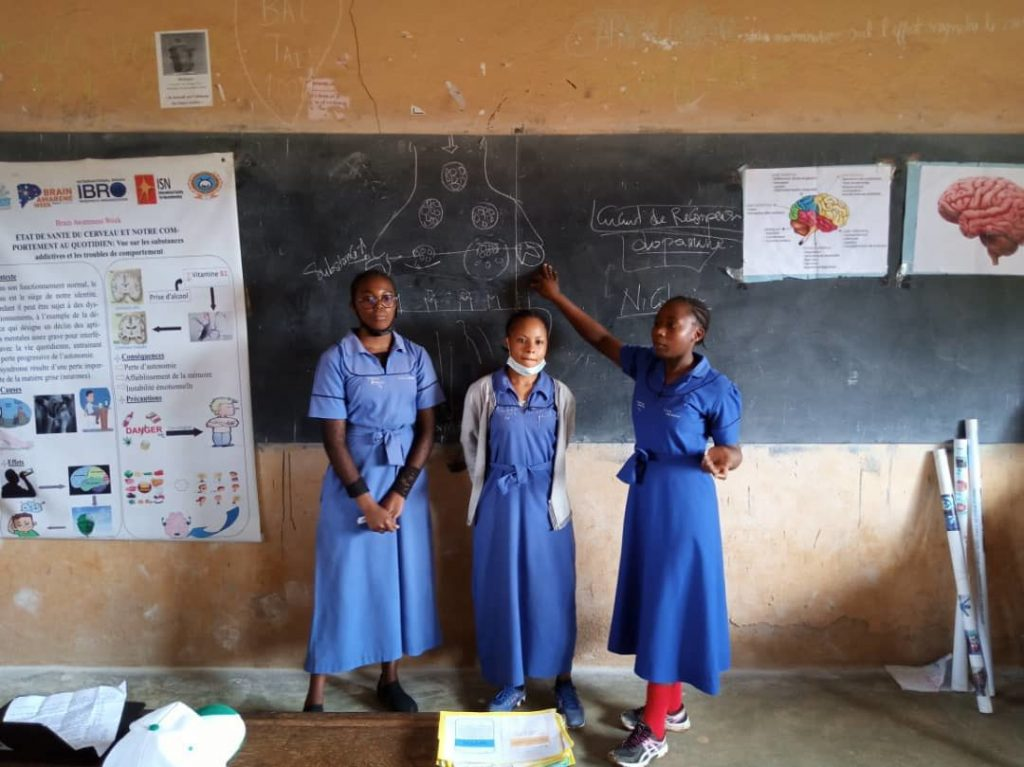 Workshop in the government high school class of Dschang organized by the Cameroon Association for Neuroscience / University of Dschang in Cameroon.
