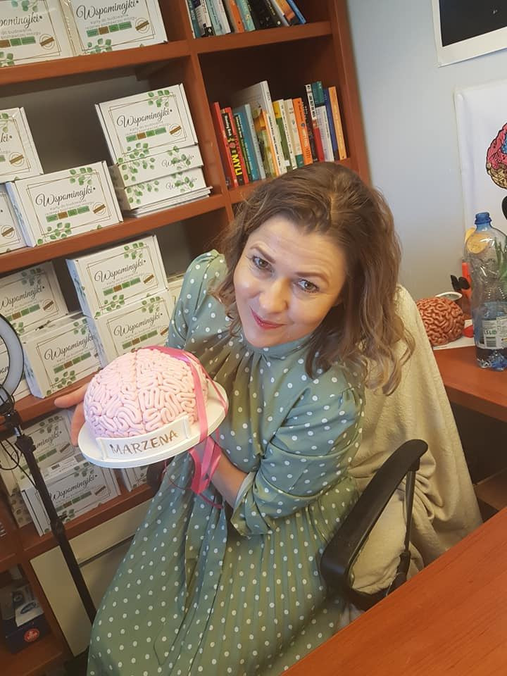 Brain cake prize for children for participating in a brainy game organized by Neurony Do Roboty Marzena Grochowska in Poland.