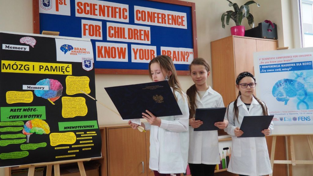 Poster session for grades 1-3 organized by the Association of Private Schools in Opoczno in Poland.